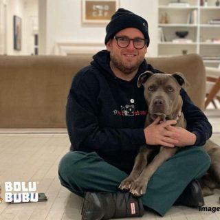 jonah hill mengadopsi anjing shelter